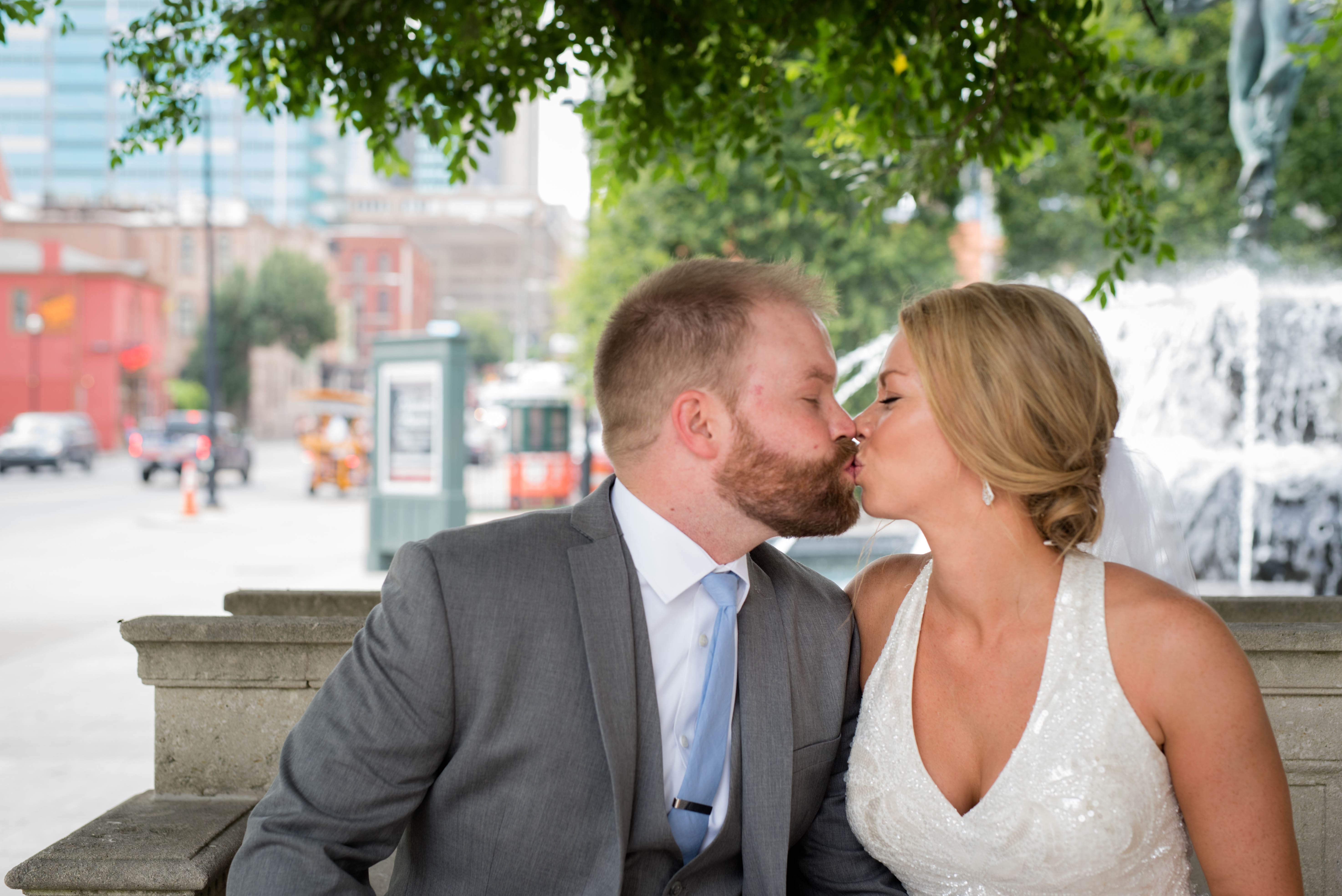 5 reasons why wedding websites are a must have for destination
